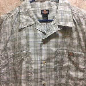 Men's Dickies Short Sleeve Shirt.
